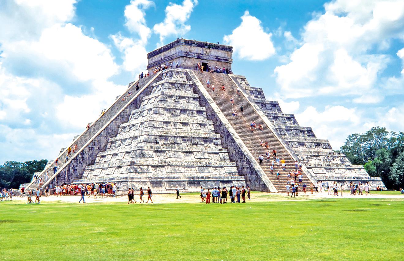 契琴伊薩的羽蛇神金字塔。