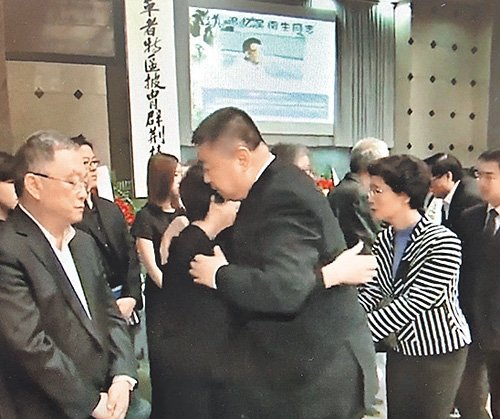 習遠平代表習家,到廣州送別吳南生。(視像擷圖)