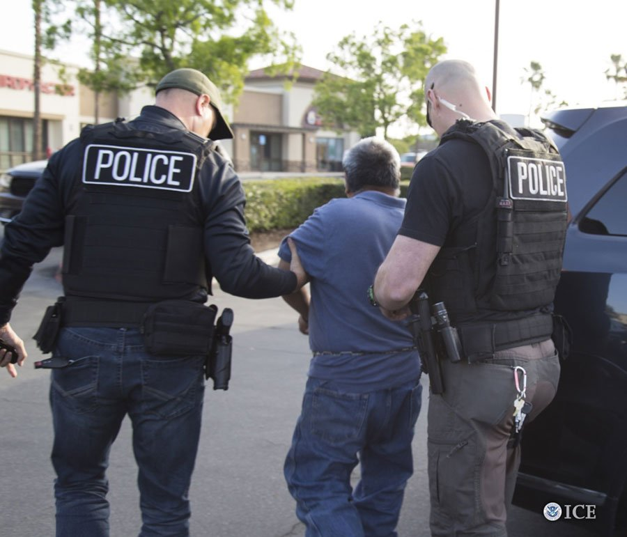 美國ICE本周在全美大規模的抓捕行動中,逮捕了33名外國人權罪犯或嫌疑犯,其中包括4名中國人。(美國移民和海關執法局)