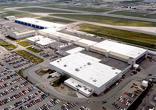 地皮位於多倫多北部Downsview,包括廠房、跑道和其它用地,共佔地371公頃,目前估值1億5316萬。(龐巴迪公司)