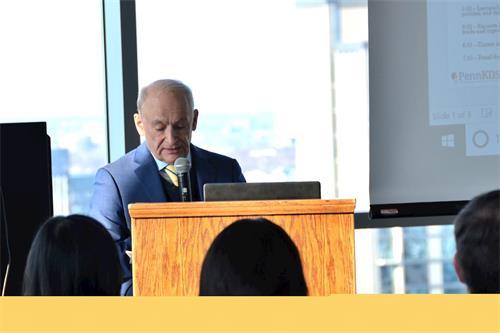 著名人權律師大衛・麥塔斯在長春籐賓夕凡尼亞大學的「器官強摘與全球器官黑市研討會」上講演,揭中共活摘法輪功學員器官的暴行。(明慧網)