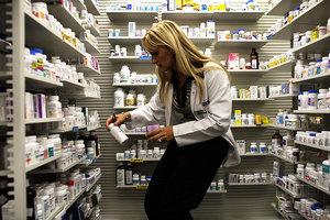中共滲透全球藥品供應鏈 危害日益顯露