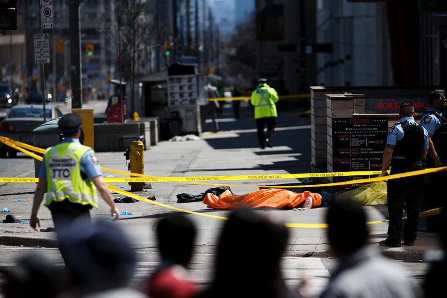 多倫多汽車撞人 10死15傷疑犯落網