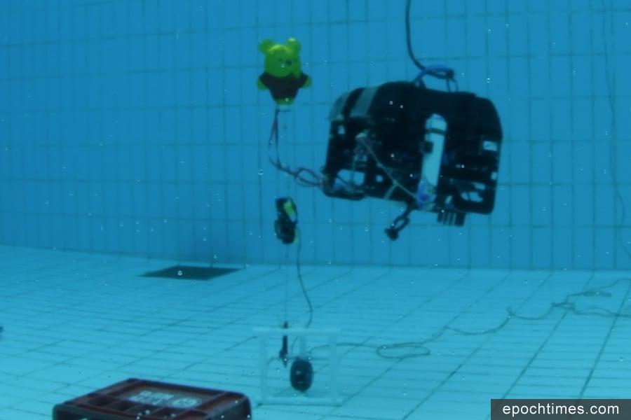 香港科技大學參賽隊伍EPOXSEA所設計的水底機械人,歷經多次改良,在比賽中成績優異。(IET提供)