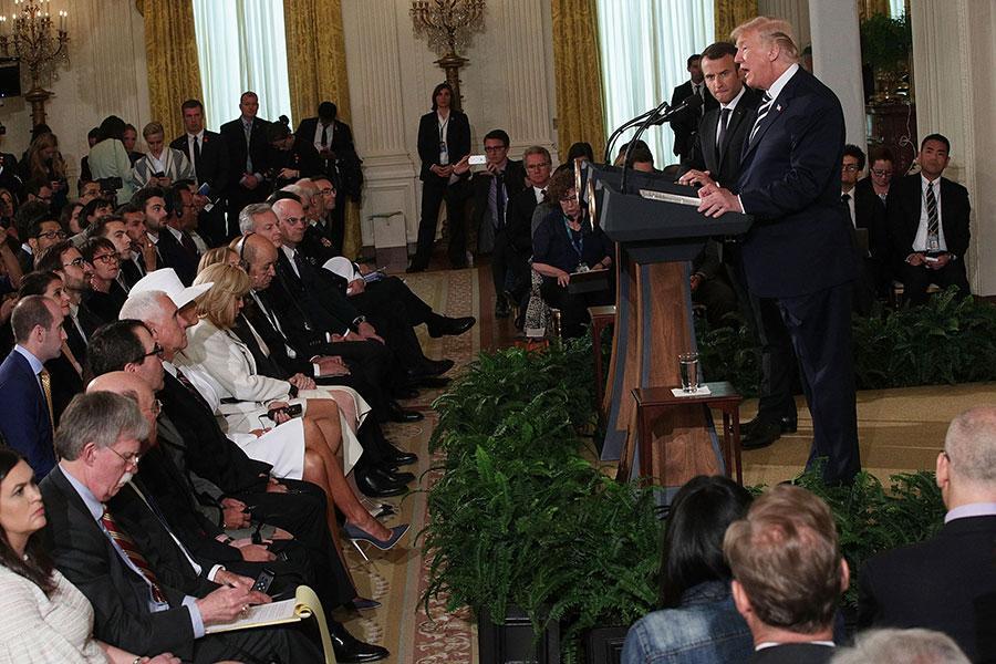 周二,美國總統特朗普及法國總統馬克龍在白宮舉行新聞發佈會。(Alex Wong/Getty Images)