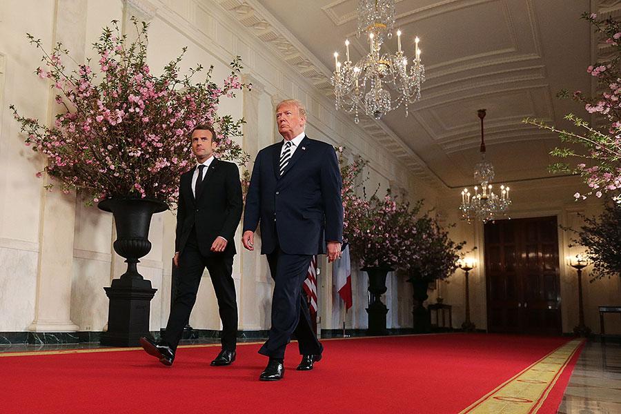 4月24日,在和法國總統馬克龍進行擴大性雙邊會議之前,特朗普總統發表演說。(Chip Somodevilla/Getty Images)