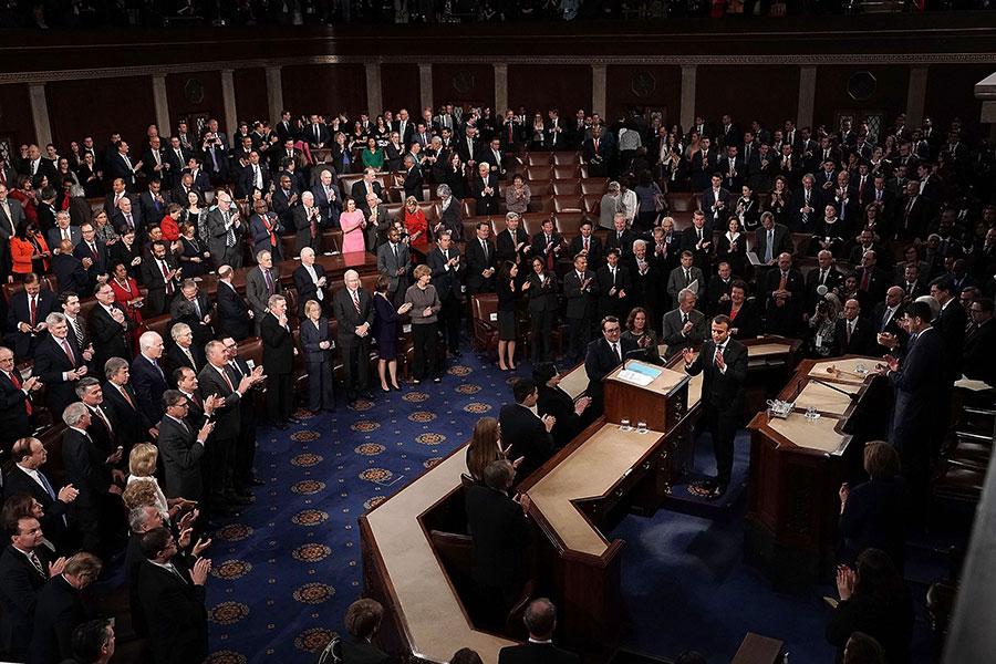 4月25日,法國總統馬克龍在美國參眾兩院聯席會議發表演說。(Alex Wong/Getty Images)