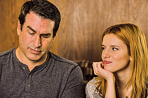 《真愛趁現在》基本是部沒有任何負面角色的電影,片中的幾位要角包括姬蒂的父親,可說是模範父親,與女主角的對手戲經常洋溢著濃濃暖意。
