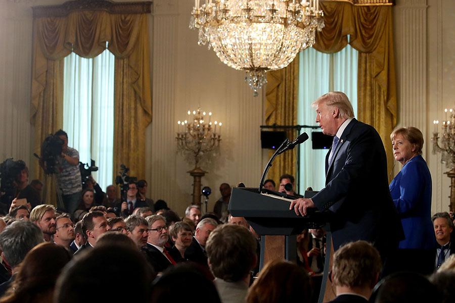 27日下午2時左右,特朗普和默克爾在白宮舉行聯合記者會。(Mark Wilson/Getty Images)