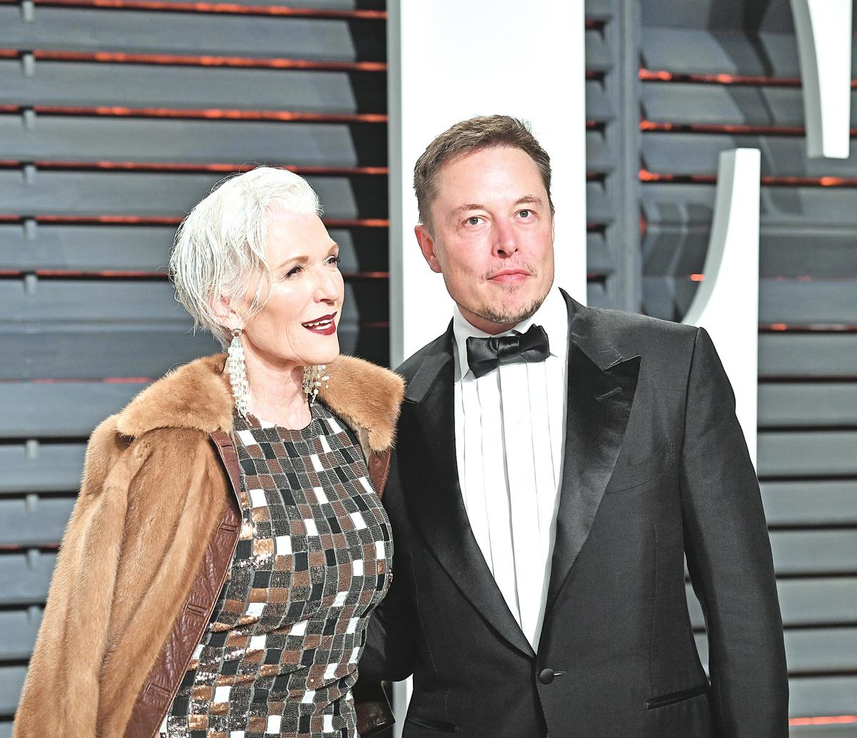 梅馬斯克和兒子埃隆馬斯克。 (Pascal Le Segretain/Getty Images)