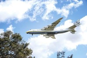 世界最大飛機首降澳洲