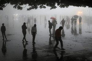 超級沙塵暴襲印度 至少125死數百人傷