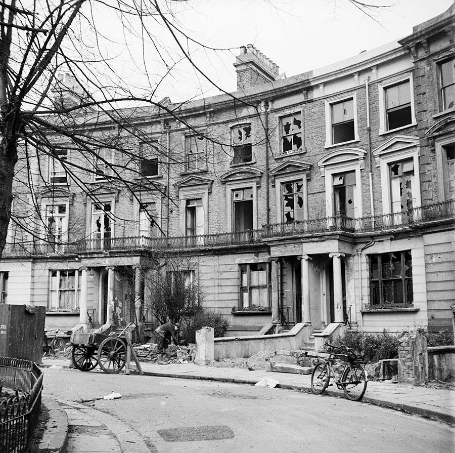 馬克思的故居,這裏他度過了一生中最後15年。1958年時的破舊外觀。(Rosemary Matthews/BIPs/Getty Images)
