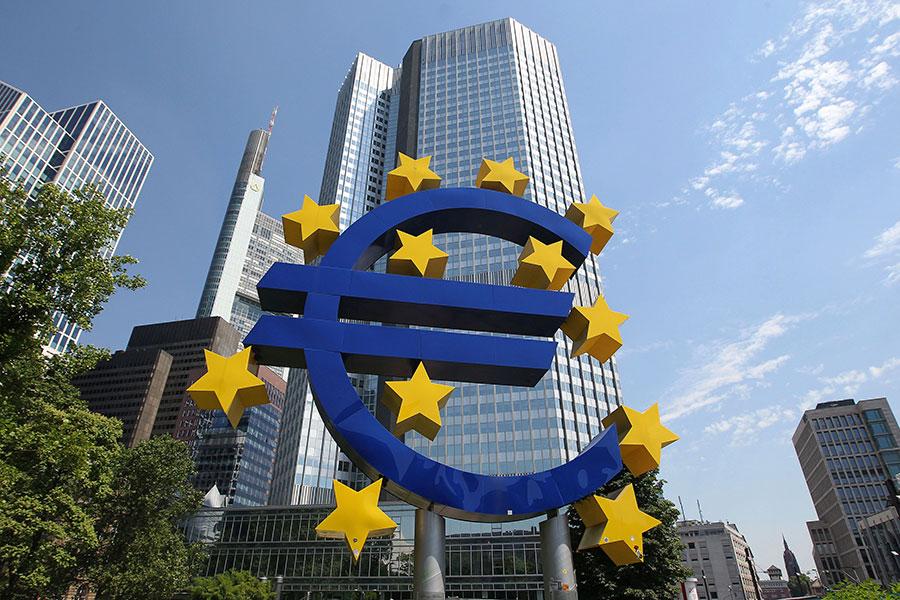 意大利日報Repubblica的經濟記者蘭皮尼(Federico Rampini)稱,特朗普總統決定提高中國商品關稅是「正確的」策略,歐盟應效仿。(DANIEL ROLAND/AFP/Getty Images)