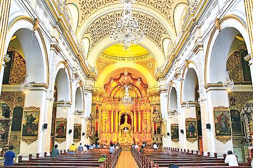 聖彼得大教堂內景。(Fotolia)