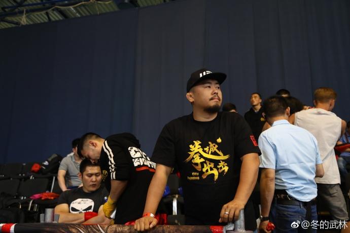 徐曉冬率隊參加ISKA世界搏擊賽,大陸網民對於他們積極參與國際賽事給予肯定。(徐曉冬微博)