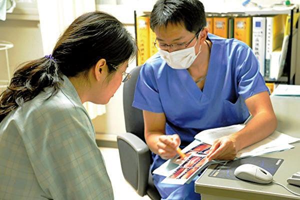 日本政府近日宣佈,將增加對外國勞工的招聘數量,以緩解國內缺工,特別是餐飲、建築和醫療護理業的勞工短缺問題。 (TOSHIFUMI KITAMURA/AFP/Getty Images)