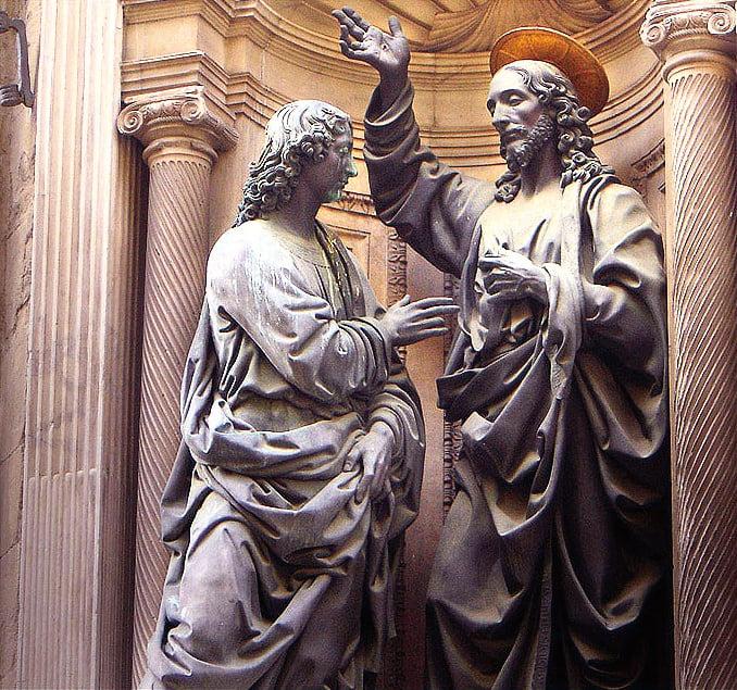 維洛齊歐為佛羅倫薩Orsanmichele 教堂所作基督和聖托馬斯雕像。 (Ricardo André Frantz/Wikimedia Commons)