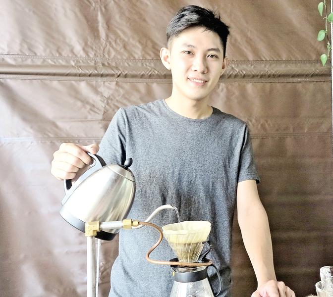 專業咖啡烘豆師  手沖咖啡教學