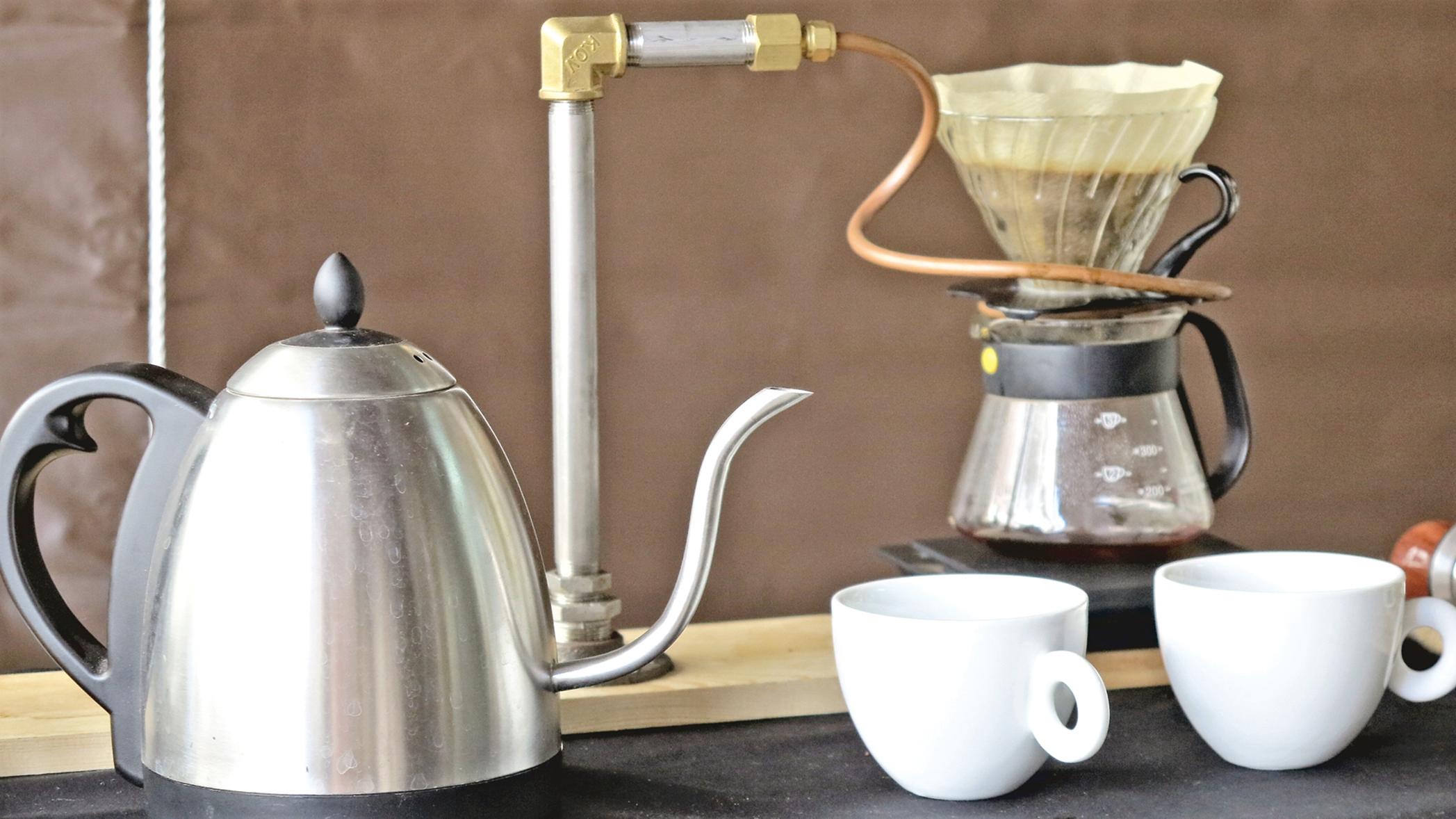 手沖咖啡壺都有一個細細的長壺嘴,可以讓注入咖啡粉的水量保持細小均勻。