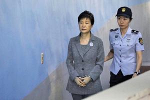 南韓前總統朴槿惠被送往醫院