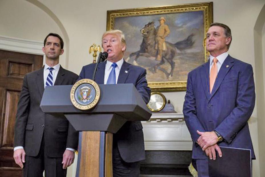 美國總統特朗普在推文中表示將在5月8日決定是否制裁伊朗,西德州原油聞訊衝上70美元/桶關口,創下三年半最高價。 (Getty Images)