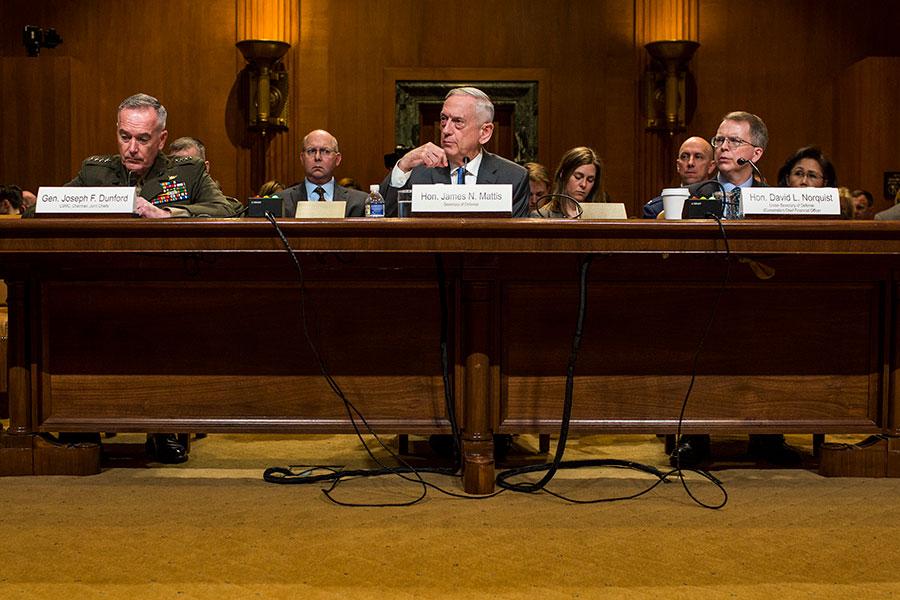 美國防長馬蒂斯周三表示,首次特金會不會談判美國派駐部隊在南韓的議題。(Zach Gibson/Getty Images)