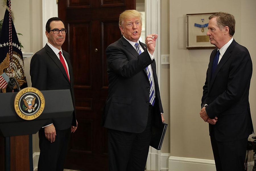 劉鶴率領的中方代表團預計下周赴華盛頓談判,可能提議進口更多美國商品,但中美雙方能否達成速成協議仍有待觀察。有美國會議員呼籲特朗普總統繼續對華強硬,勿簽象徵性協議。(Chip Somodevilla/Getty Images)