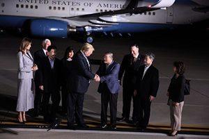 特朗普助三人質獲釋 參議員:凸顯美國實力