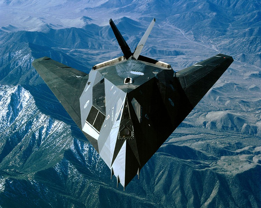 美軍F-117貓頭鷹戰機。(Thomas J. Pitsor/USAF/Getty Images)