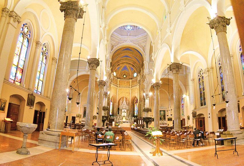 意大利米蘭的天主教建築「恩寵聖母」內景。(公有領域)