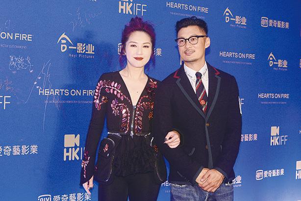 楊千嬅(左)表示已祝賀初為人父的余文樂(右)。(宋碧龍╱大紀元)