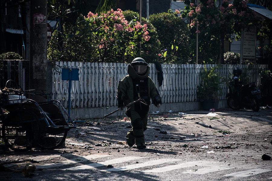 印尼三教堂遭自殺炸彈襲擊 至少9死40傷