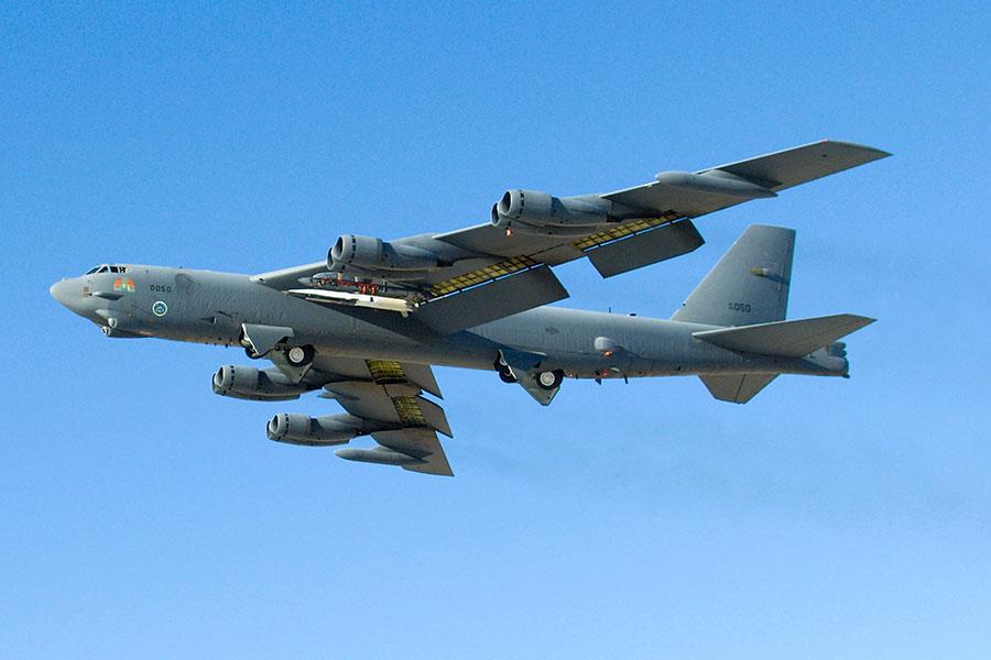B-52 Stratofortress成功發射X-51A 型Waverider超音速飛行試驗車。(U.S. Air Force photo/Mike Cassidy)