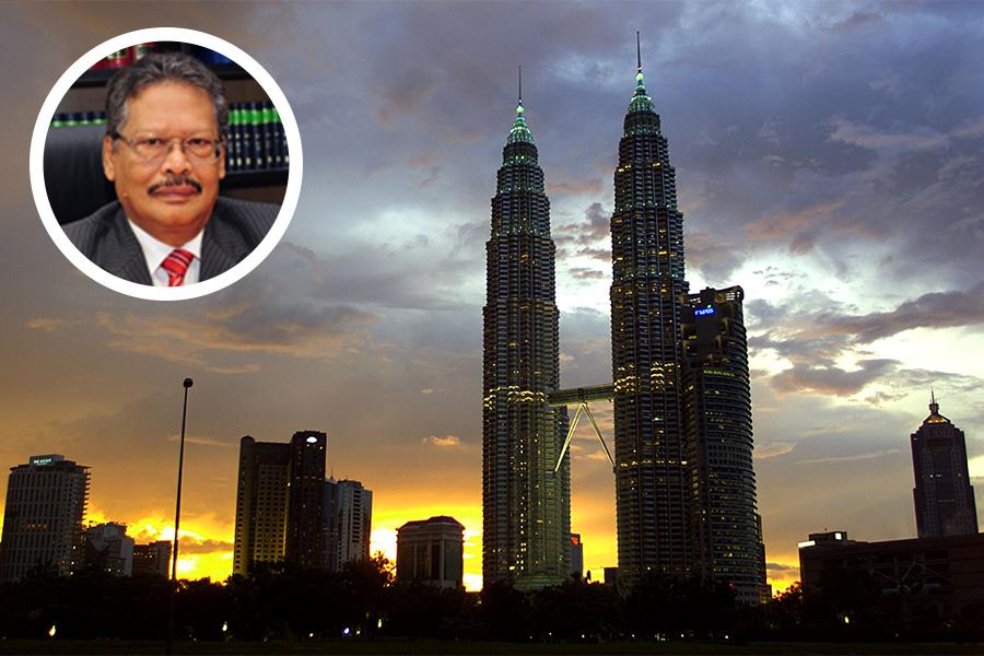 繼馬來西亞前總理納吉因涉貪被禁出境行動受限後,被納吉任命、為其涉貪醜聞洗白的現任總檢察長阿班迪(小圖)也被放假,並被限制出境。(JIMIN LAI/AFP/Getty Images/馬來西亞政府官網/大紀元合成)