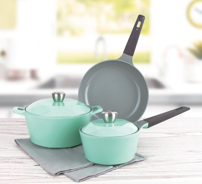 方便、更人性化的設計和美觀的外型也在鍋具設計的考量的條件中。