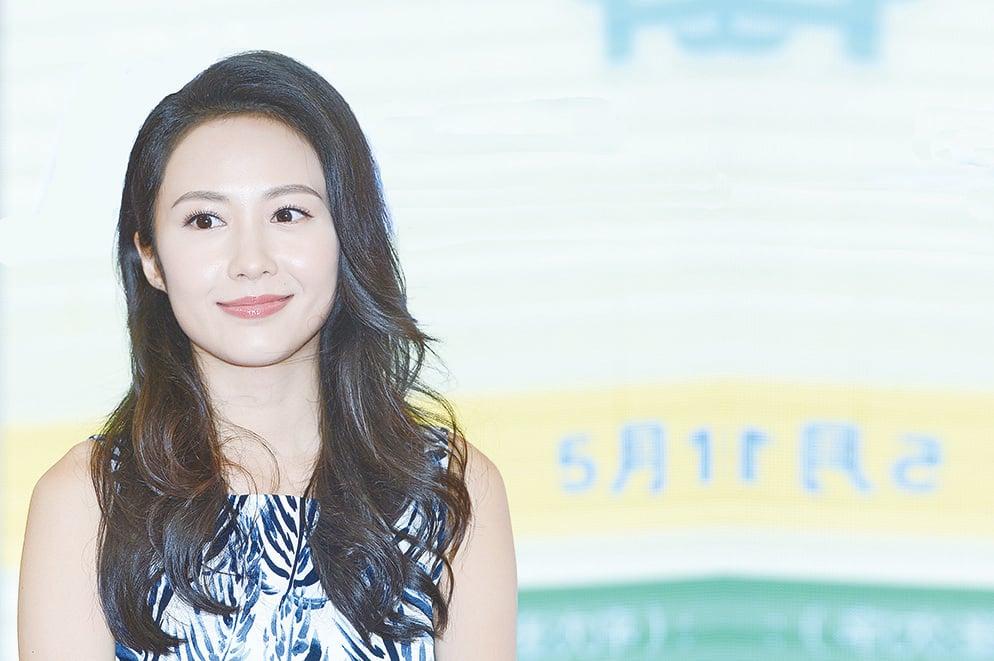 湯怡在《某日某月》電影中擔任女主角與原島大地合作演情侶,年紀雖差10年沒有違和。(宋碧龍/大紀元)