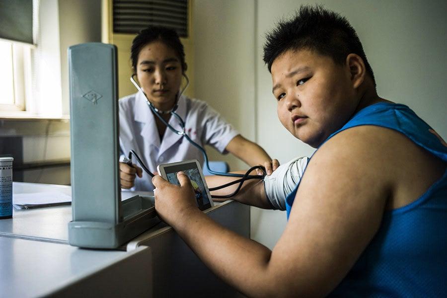 中國兒童超重率直追美國 農村兒童胖得更快