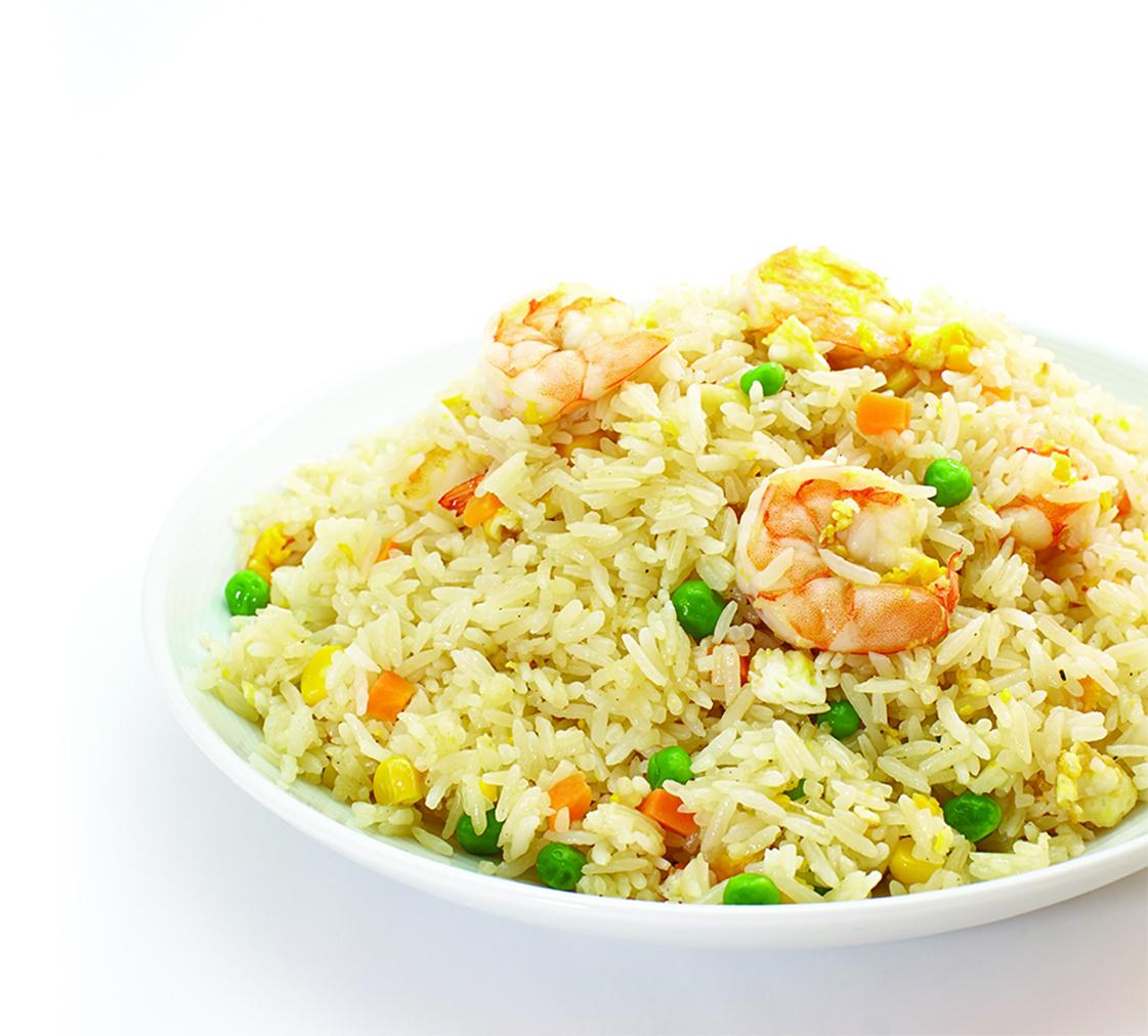 海鮮炒飯的主要成份是魚、蝦、蛤蜊與蛋,有時候甚至還有小干貝,好吃得不得了。