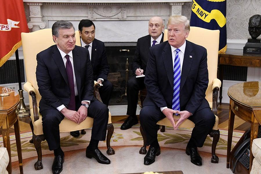 5月16日,特朗普在白宮會見烏茲別克斯坦總統米爾濟約耶夫(Shavkat Mirziyoyev)時表示,目前還不清楚特金會是否會按計劃召開,但將繼續堅持朝鮮半島無核化。(Olivier Douliery-Pool/Getty Images)