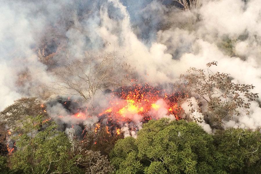 夏威夷火山再噴發 灰燼直衝三萬英尺高空