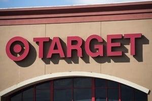 亞馬遜搶單效應衝擊  Target股價重挫7.6%