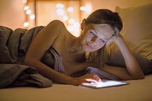 愛熬夜可能和基因突變有關
