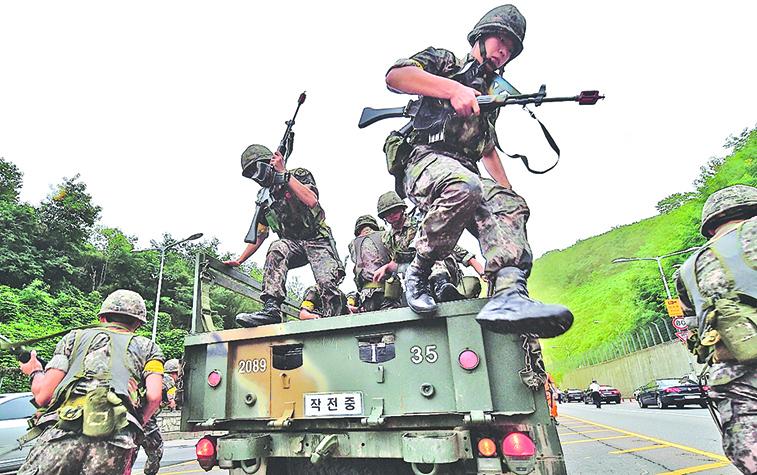 2014年美韓「乙支自由衛士」聯合軍演圖片。(Getty Images)