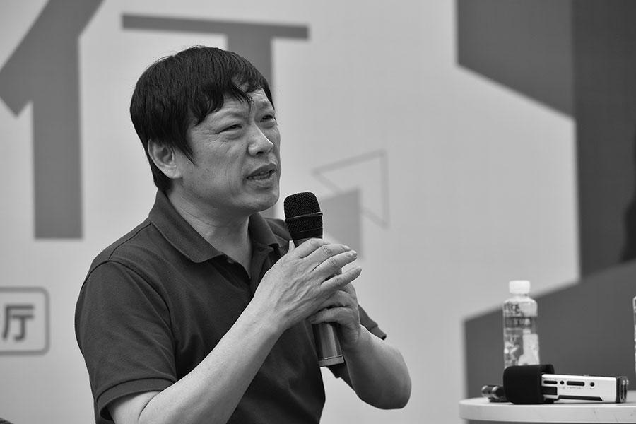 《環球時報》總編胡錫進發佈微博辱罵民族英雄,遭到輿論抨擊。(大紀元資料室)
