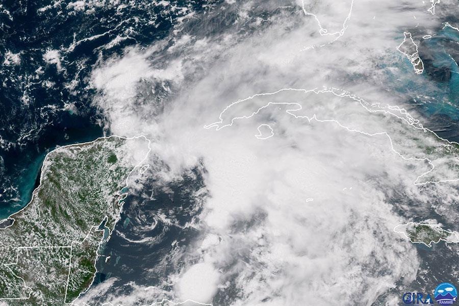 美國多州迎來2018年首個大西洋颶風。阿拉巴馬州、佛羅里達州和密西西比州的州長周六(5月26日)在風暴到來之前分別宣佈進入州緊急狀態。(AFP PHOTO/NOAA/RAMMB/HO)