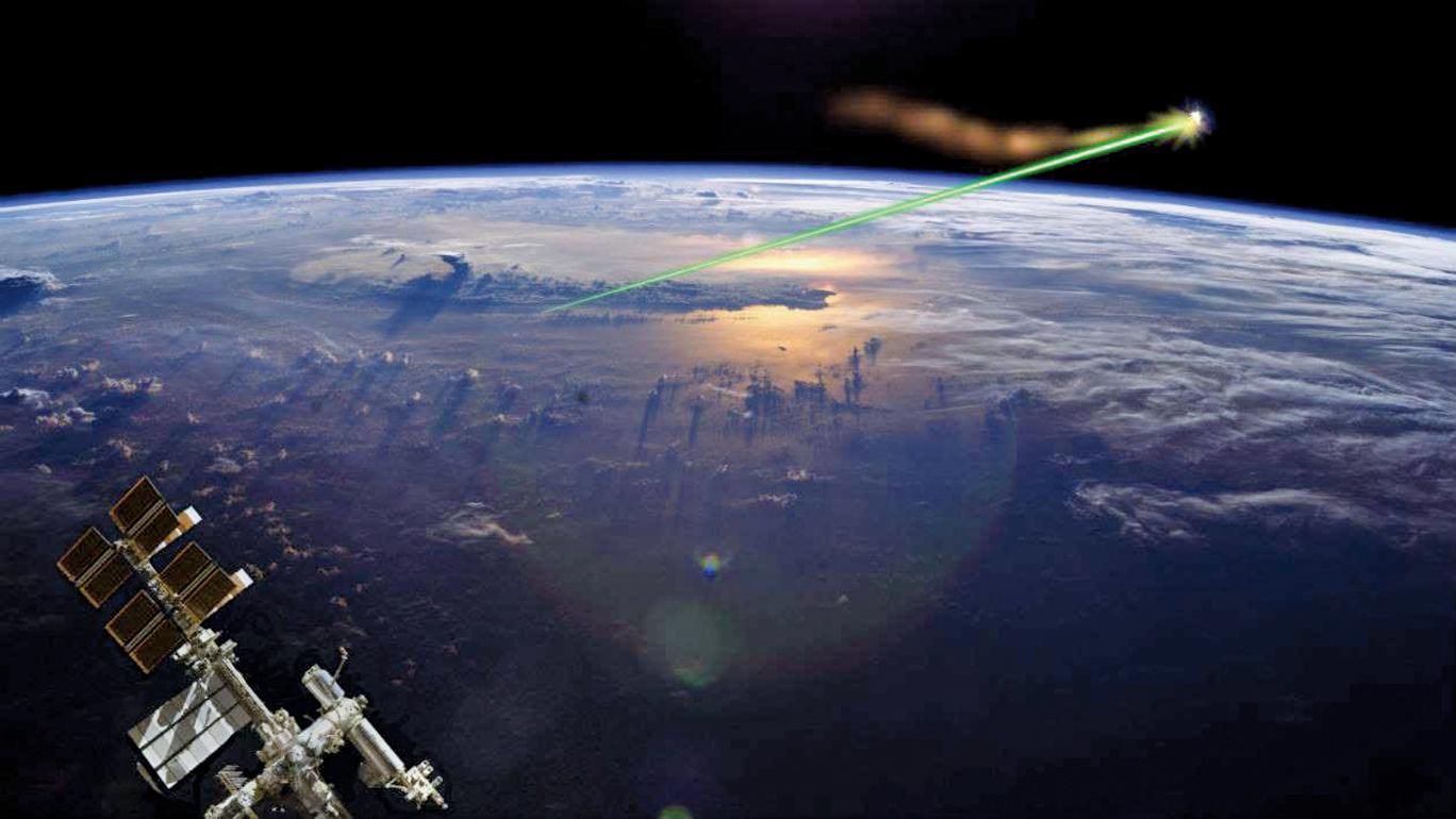 科學家們正在考慮在ISS上使用軌道激光,以避免太空垃圾與空間站發生撞擊。(NASA)