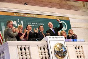 特朗普減稅助美經濟一枝獨秀 自家投資人回籠