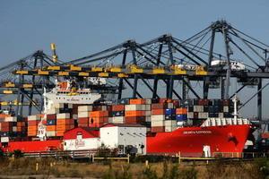 中美貿易戰透視:特朗普擊中中共軟肋