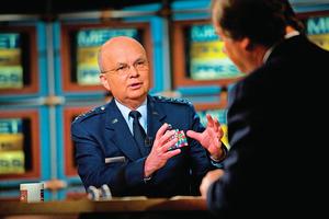 【獨家專訪】美國前中情局局長談中美情報之戰